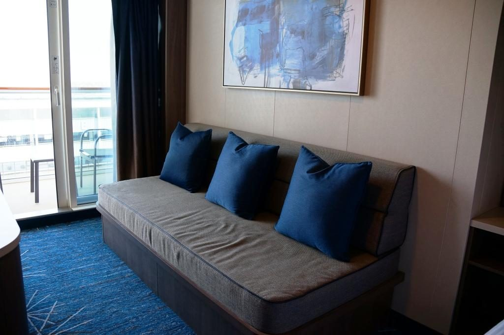 Norwegian Bliss Mini Suite 10806 Bettsofa