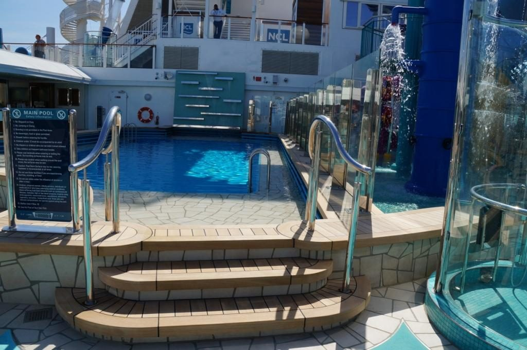 NCL Bliss Pool mit Wasserfall