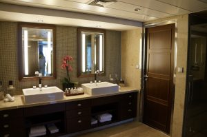 Celebrity Eclipse Penthouse Suite 1611 Bad Waschbecken