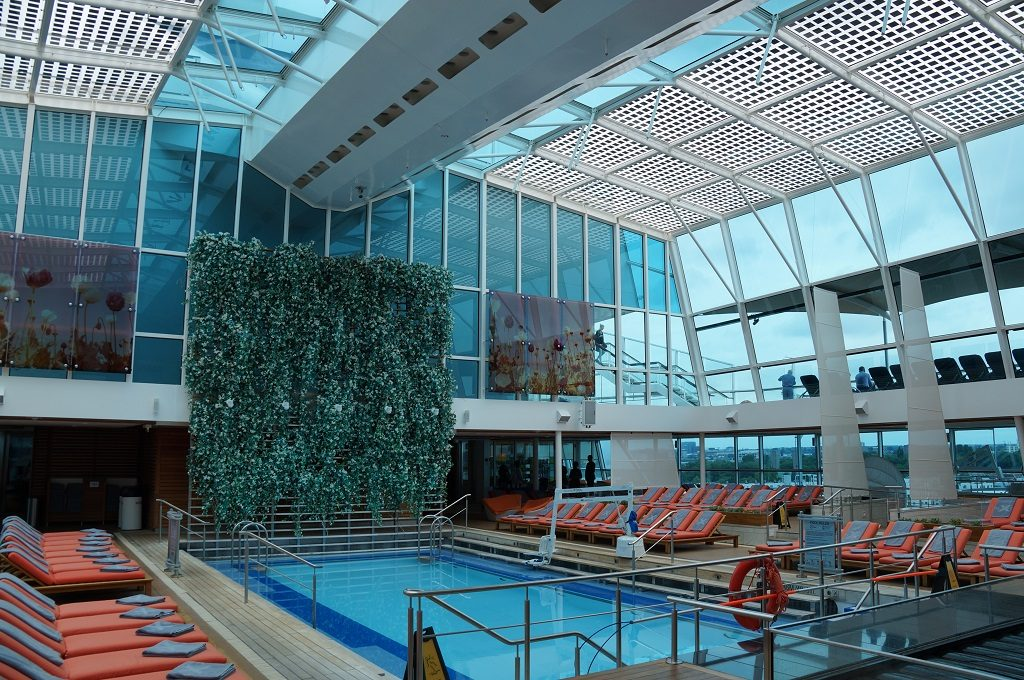 Celebrity Eclipse Solarium Poolbereich