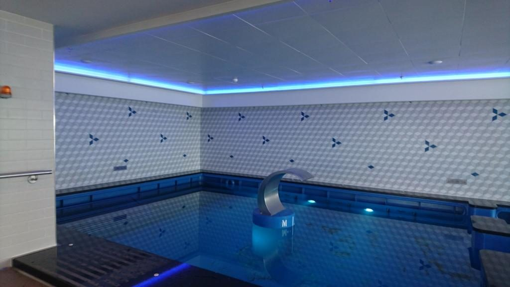 Norwegian Breakaway SPA mit Pool