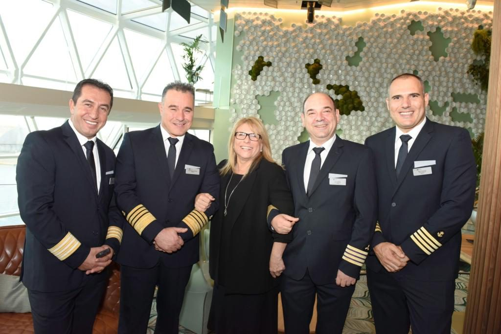 Celebrity Edge Offiziere