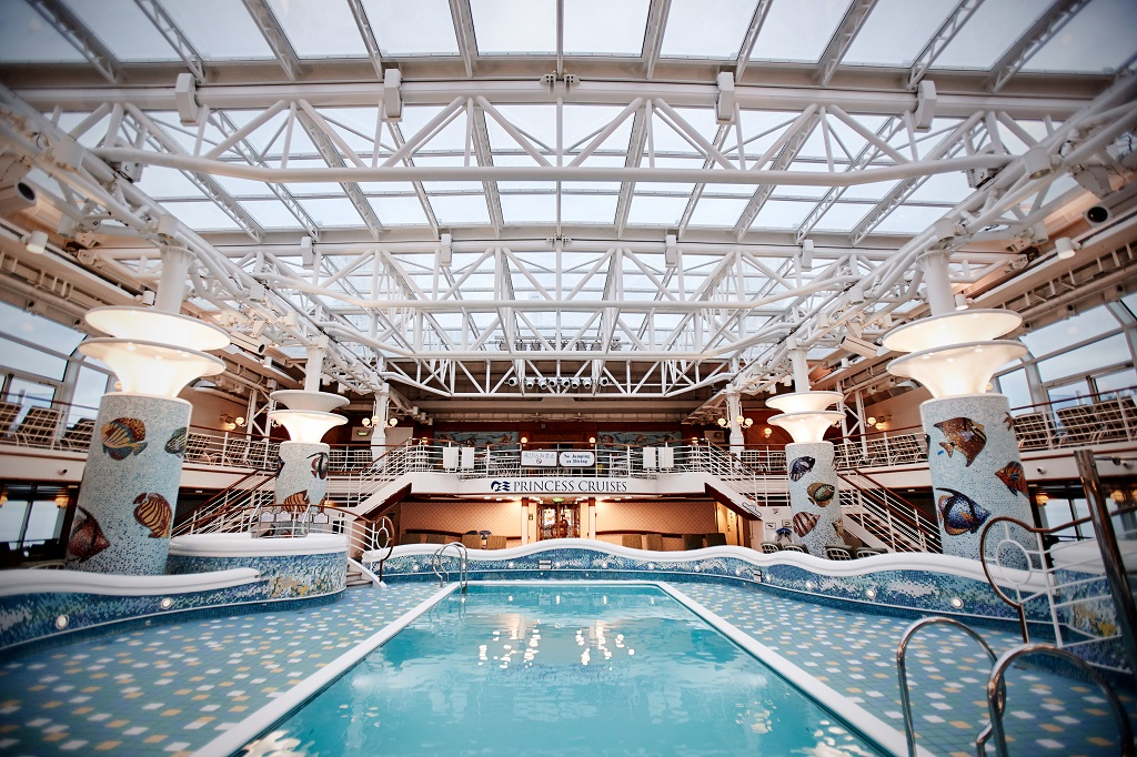 Grand Princess Calypso Pool