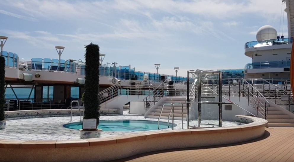 Regal-Princess Pool