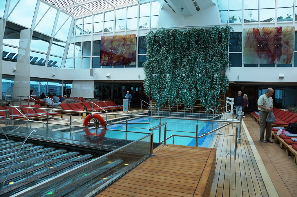 Celebrity Reflection Indoorpool