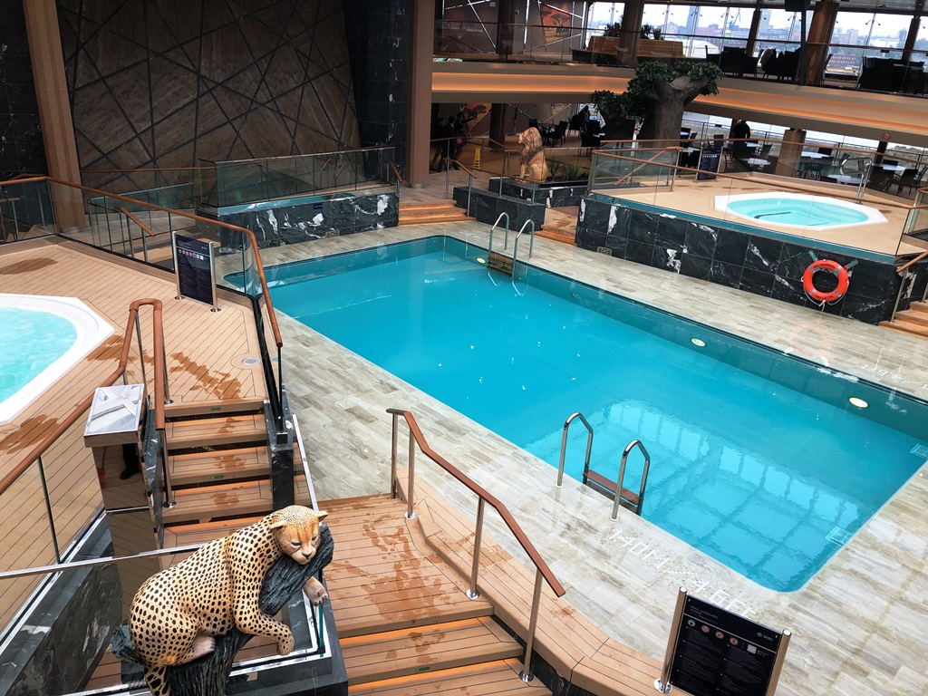 MSC Grandiosa Indoorpool