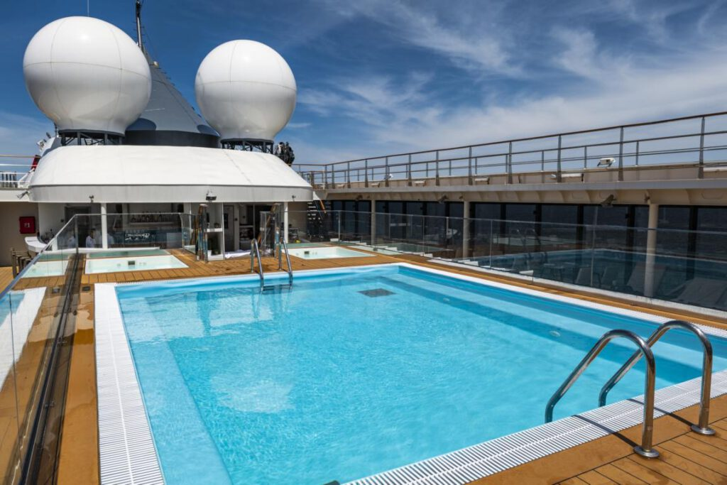 nicko cruises World Voyager Pool
