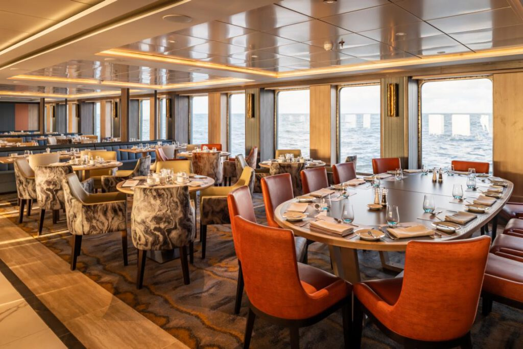 nicko cruises World Voyager Restaurant