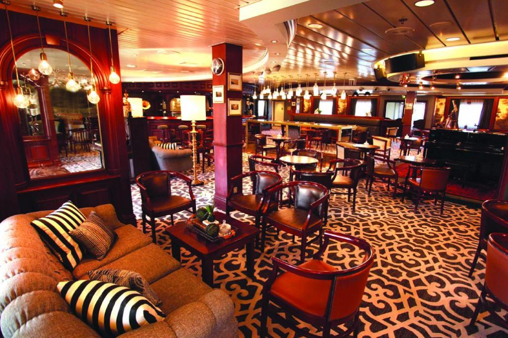Cruise & Maritime Voyages MS Columbus COLUMBUS Captains Club Promenaden Deck 7