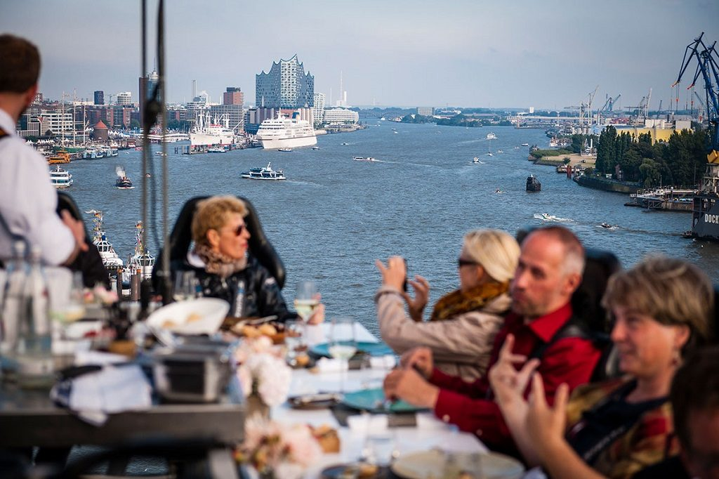 Dinner in the sky Hamburg Cruise days 2017
