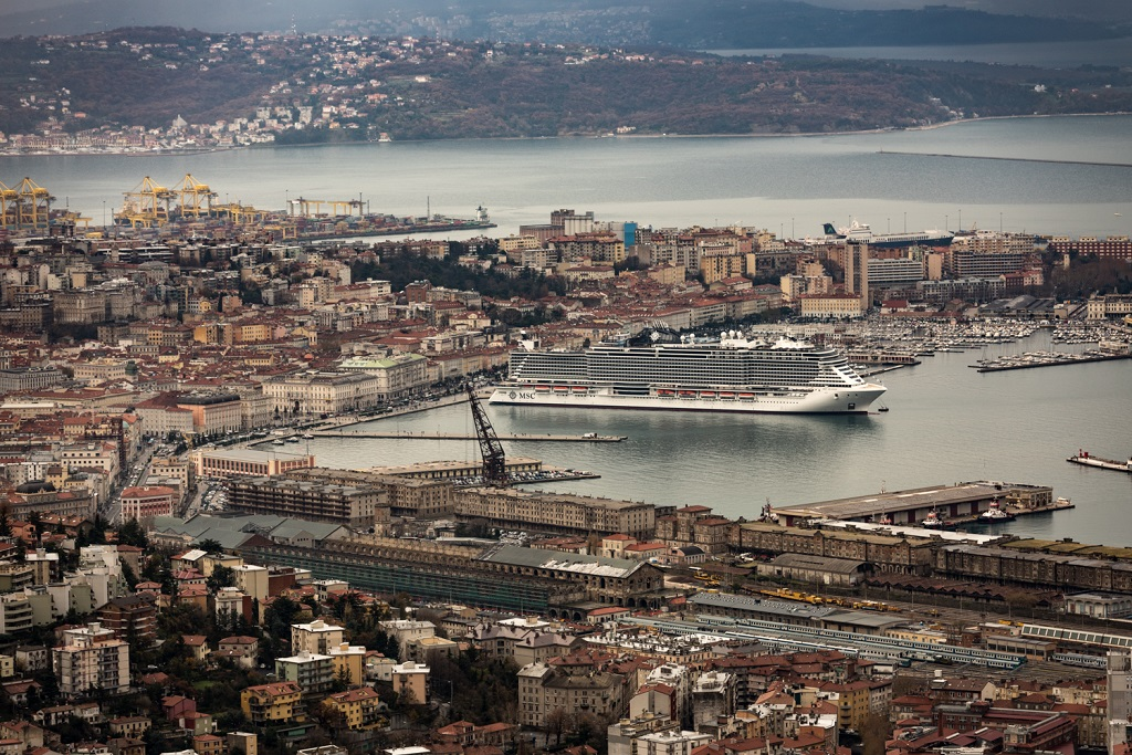 Übergabe der MSC Seaside in Triest